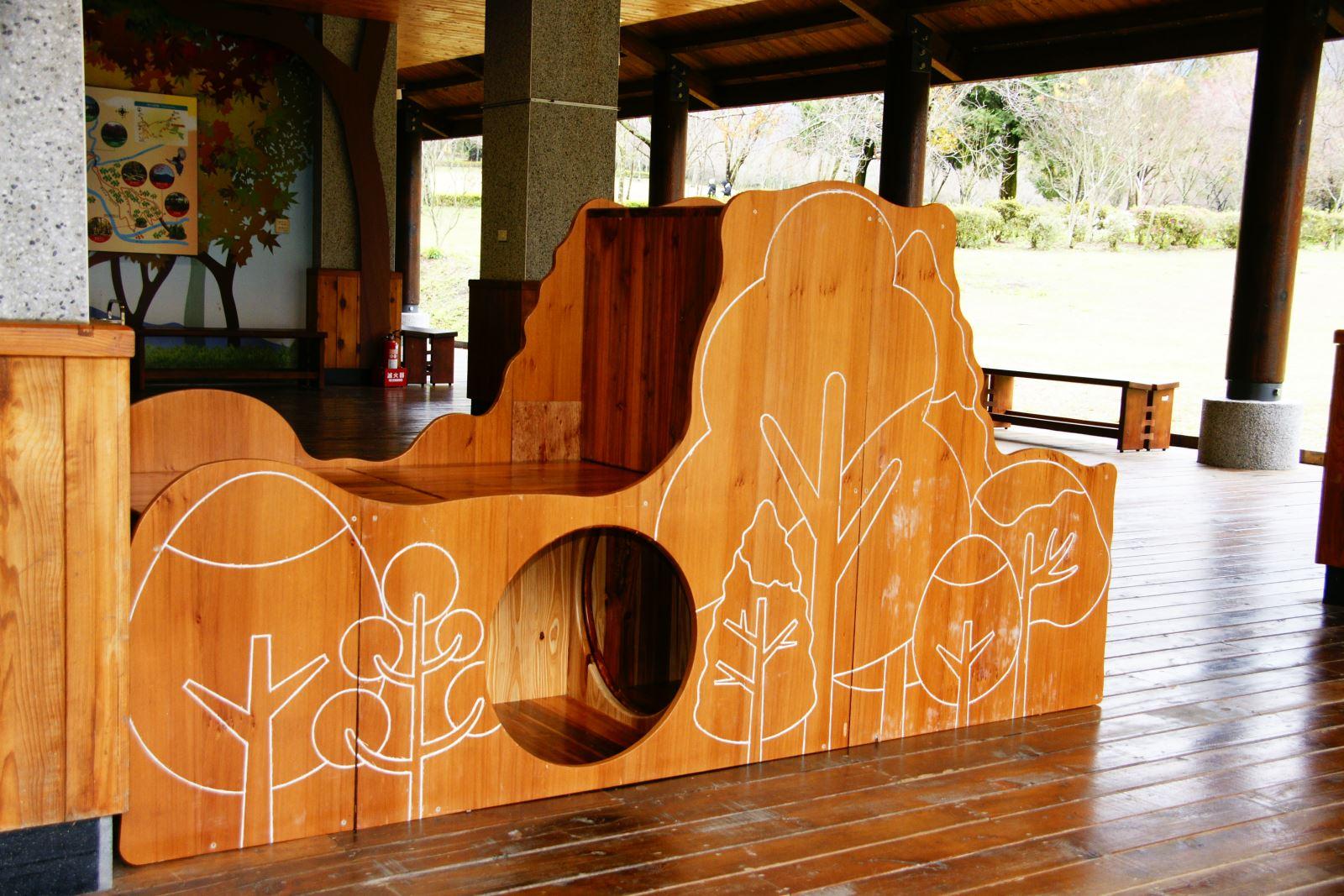 奧萬大的兒童木育遊具